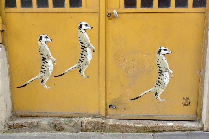 Trois suricates Mosko et associes rue Jean et Marie Moinon 1