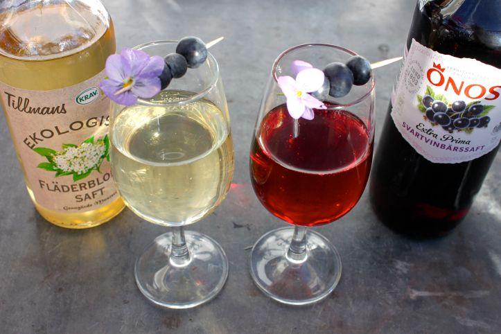 Midsommar - Recette aperitif suedois - kir cassis et kir sureau