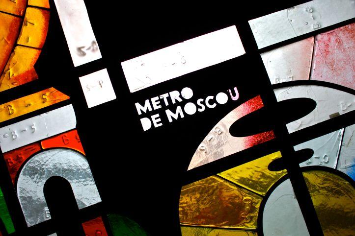 Ryaba la poule, métro Madeleine, Ivan Loubennikov, Russie1