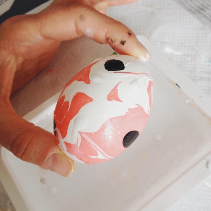 DIY oeufs de Paques - oeufs marbres - vernis a ongles  6