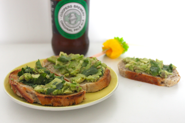 Apero australien - avocado toasts et Coopers Beer