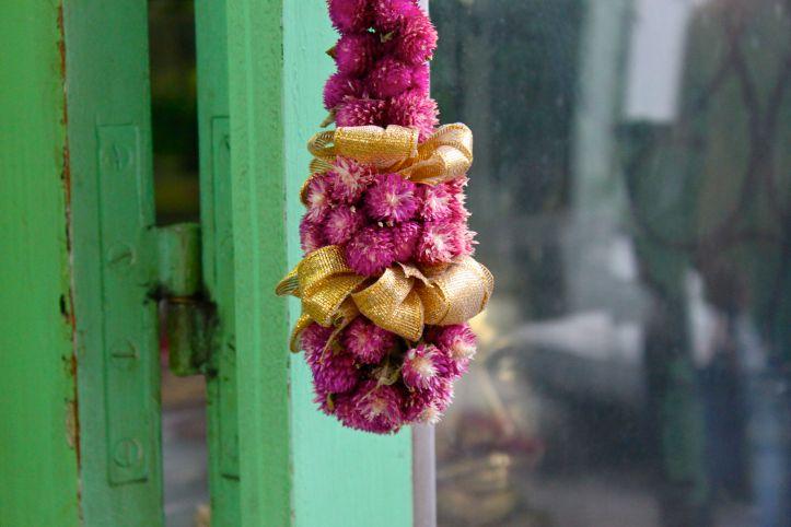 Hibiscus Fleurs - Fleuriste indien Paris - rue Perdonnet 4