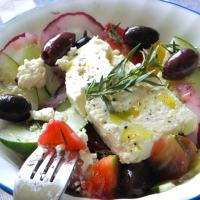 Notre recette de Khoriatiki, la vraie salade grecque !