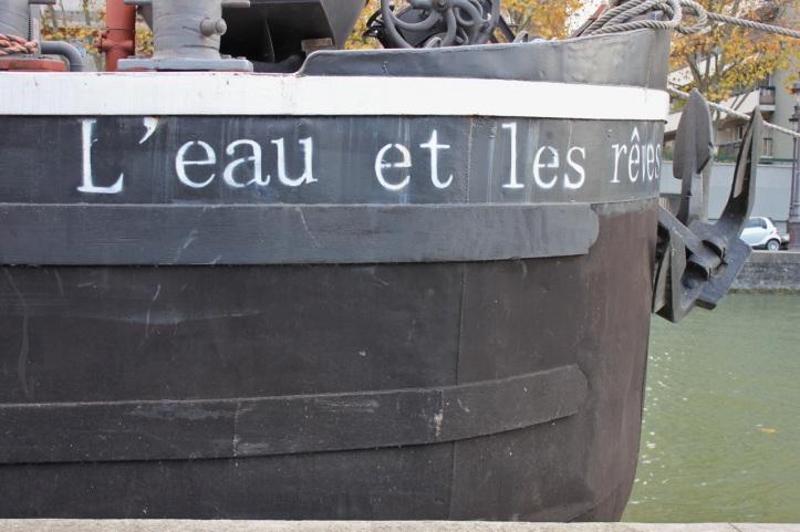 Peniche Librairie L eau et les reves Paris 6