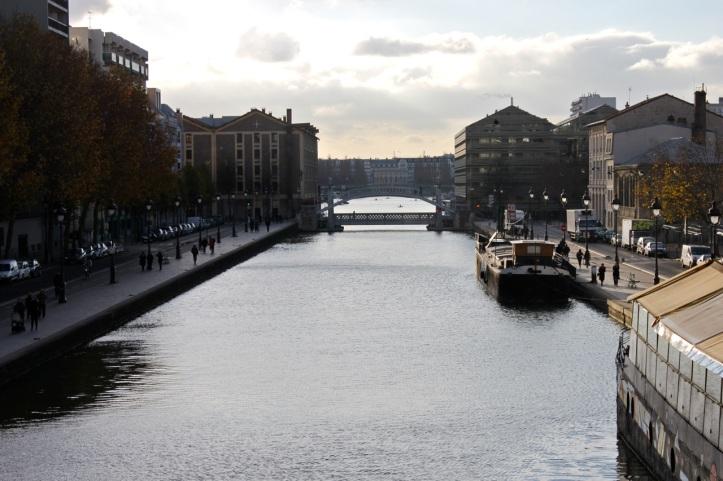 Peniche Librairie L eau et les reves Paris 8