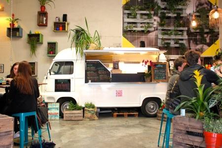L Improbable Cafe Paris Marais 08