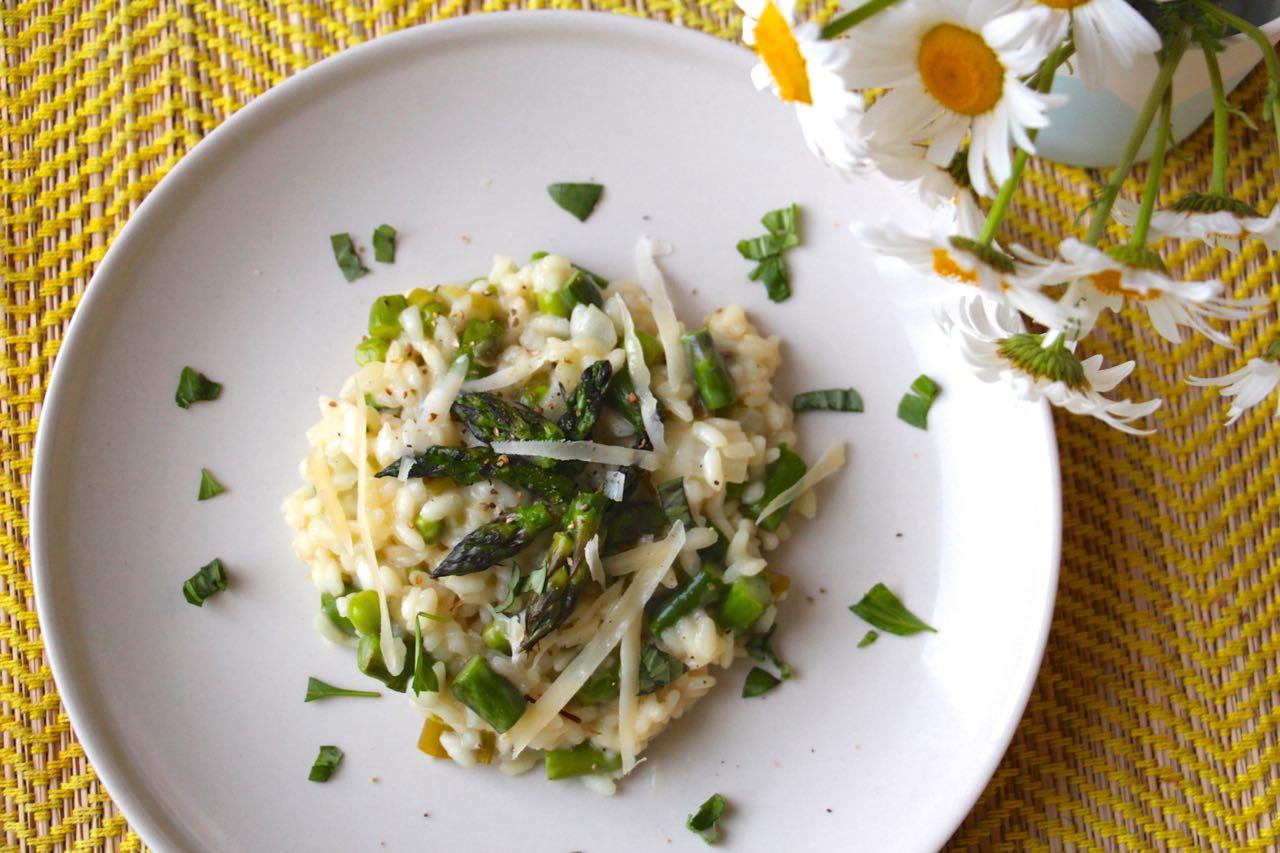 Recette italienne risotto printannier aux petits pois et - Cuisiner des asperges fraiches ...